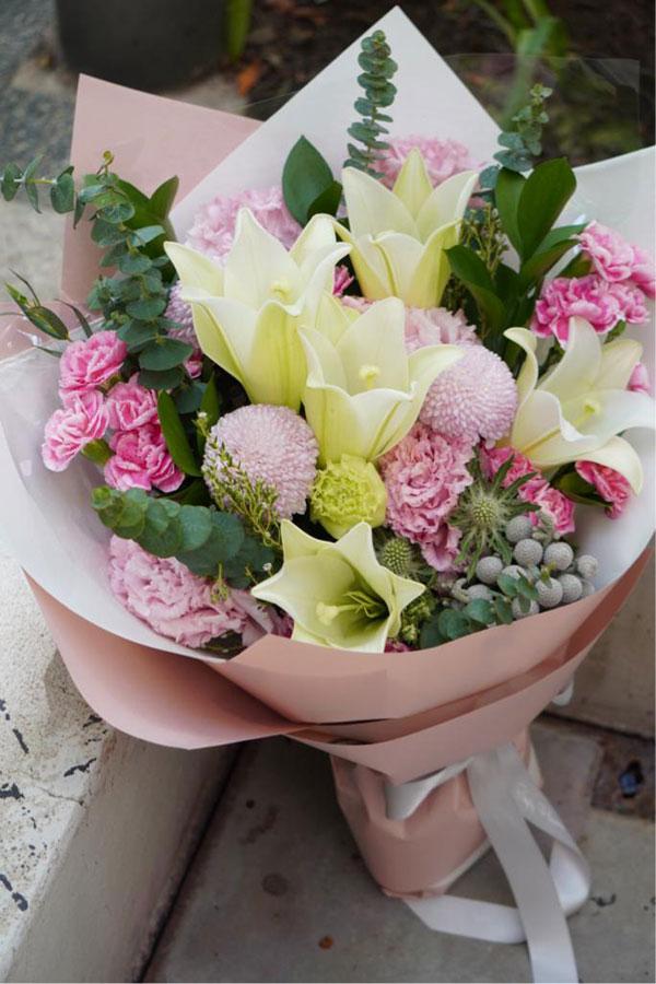 H25 - Trumpet Lilies Mix